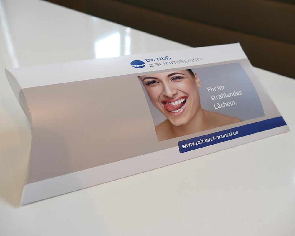 Papierbox für zahnmedizinische Werbemittel