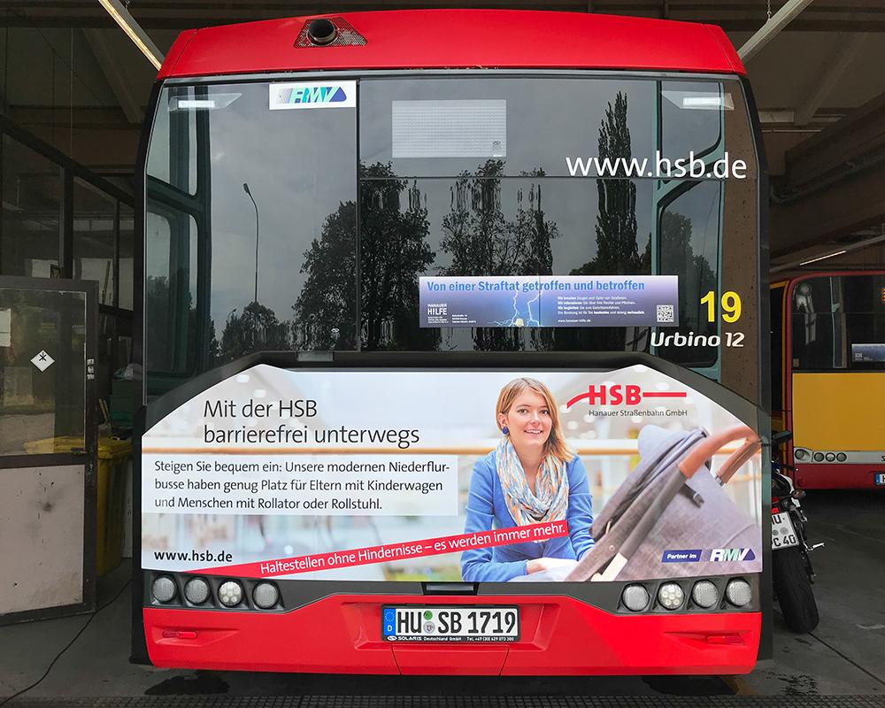 Heck Bus Beschriftung im Formschnitt